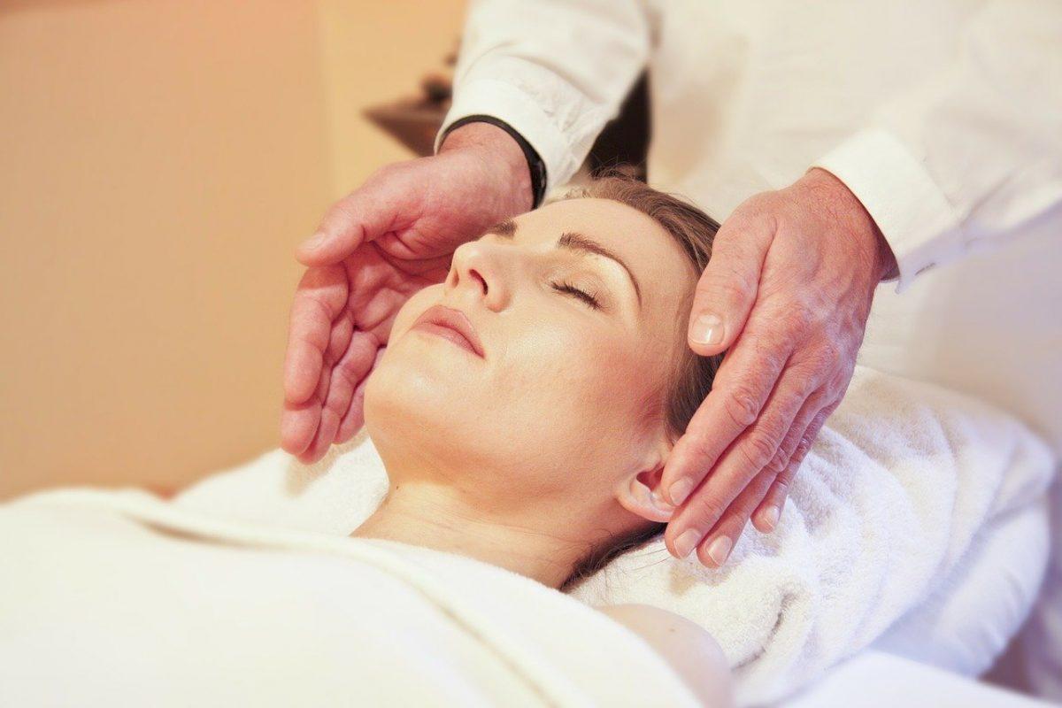 Как да намалите кръвното налягане с масаж!
