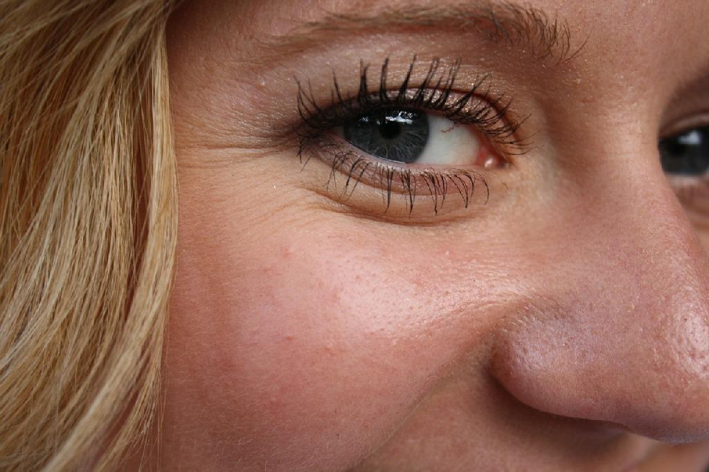 Гимнастика за лице срещу бръчки