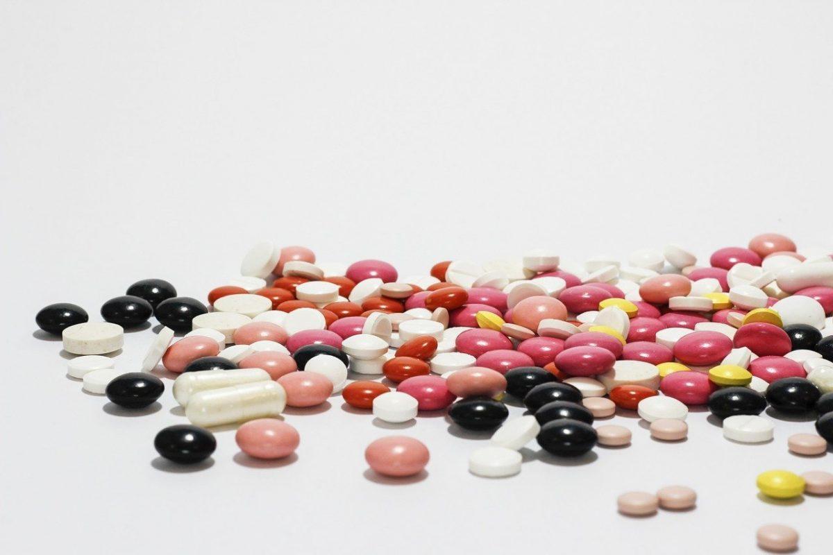 лекарствени взаимодействия