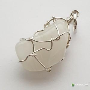 образец за висулка-зареден камък, сребърна тел