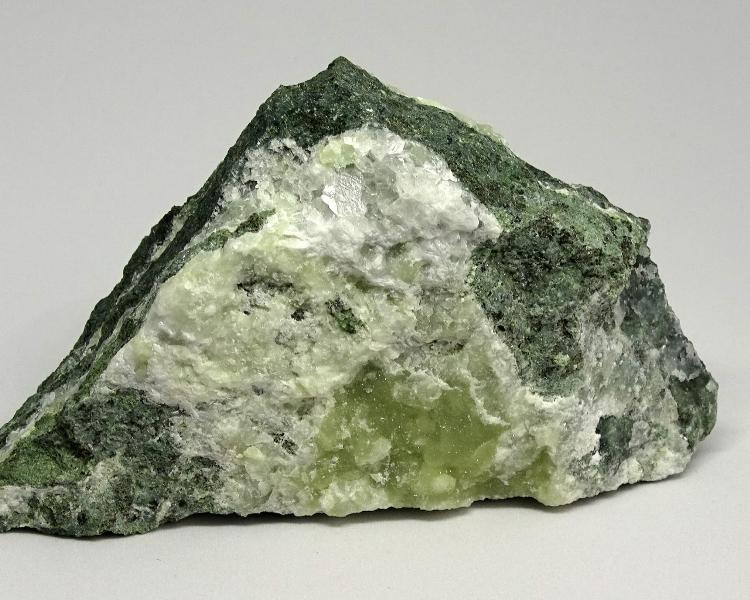 литотерапия камък пренит